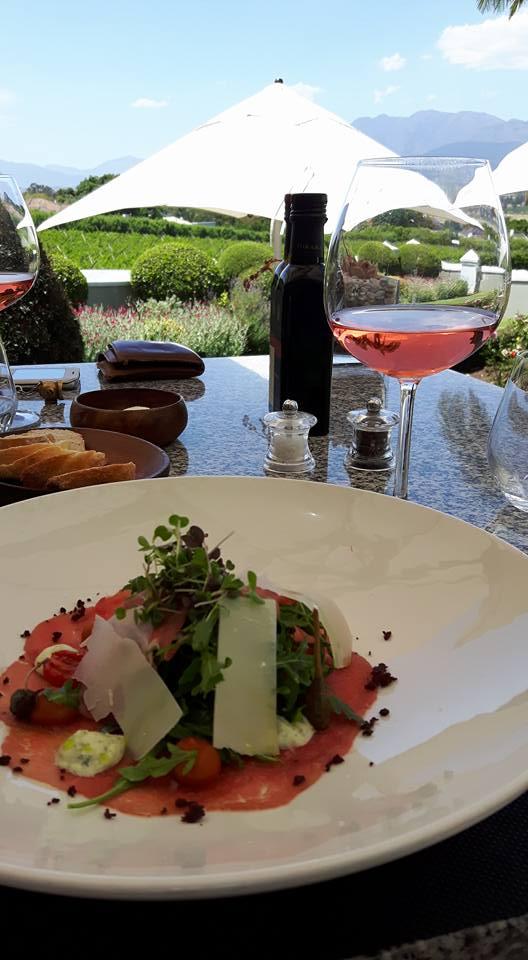 Carpaccio und südafrikanischer Wein